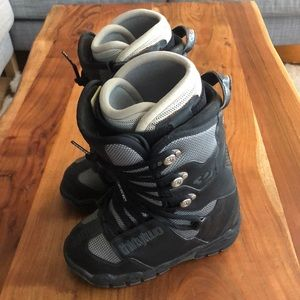 """NWOT Thirty Two """"Lashed"""" Snowboard boots"""